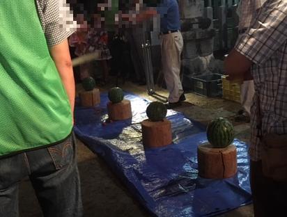 スイカ割り 間米区ふるさと盆踊り大会(豊明市間米町)