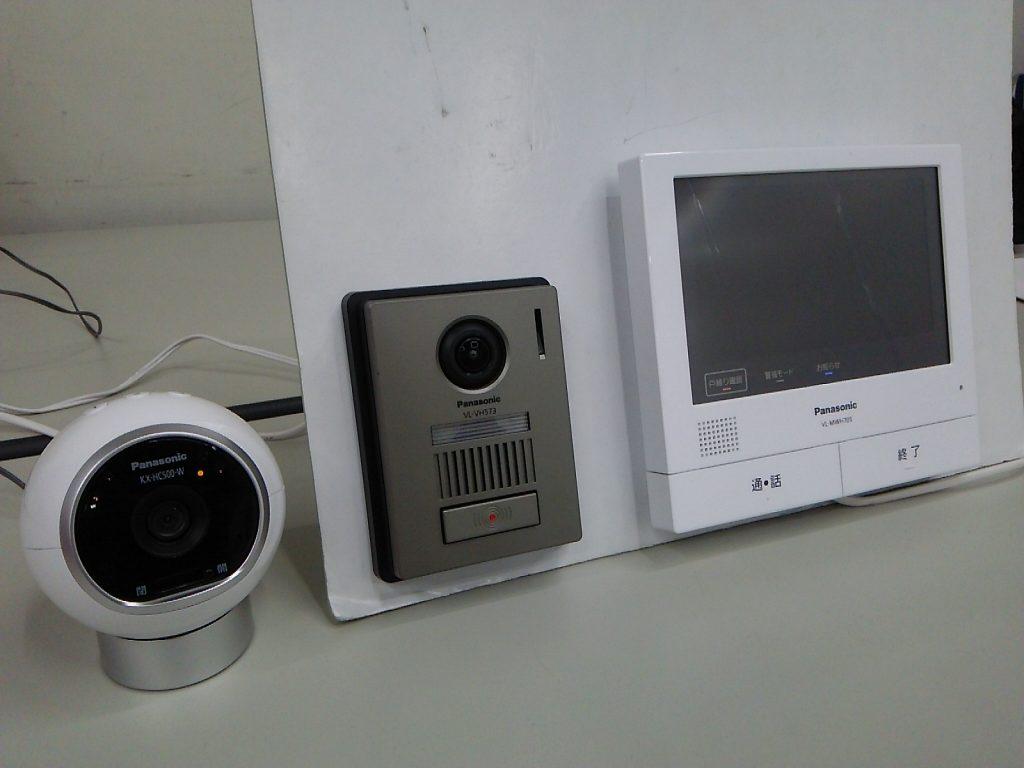 屋内カメラ