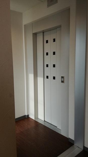 加藤歯科医院エレベーター